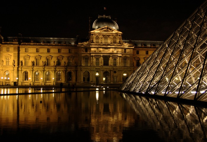 Louvre - Paris By Pedro Guridi @ Flickr