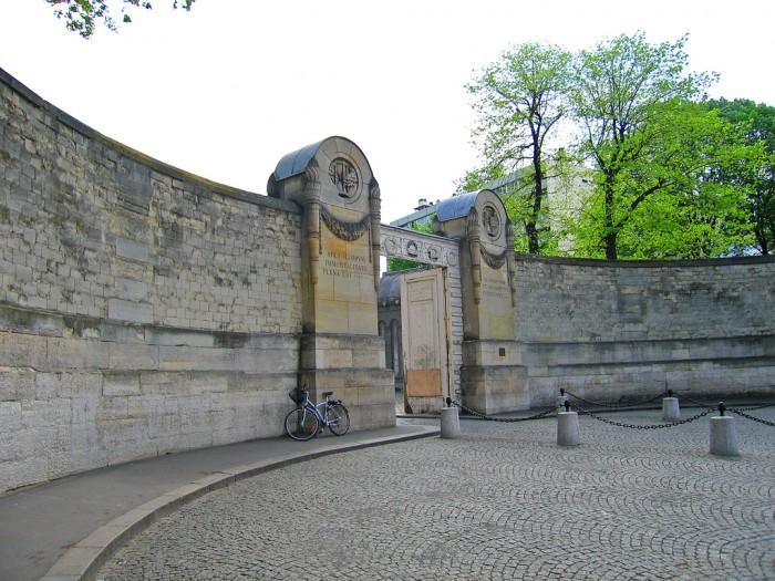 """Кладбище """"Пер-Лашез"""" - Достопримечательности Парижа"""