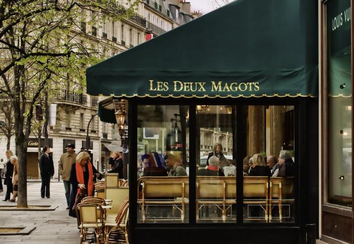 Les Deux Magots - одно из самых известных кафе Парижа (Les Deux Magots | roger.salz | Flickr)