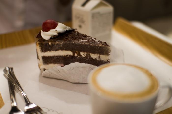 Парижские дессерты - объеденье (delicious cake| i.love.marimilk | Flickr)