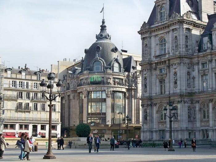 Универмаг BHV (Le Bazar de l'Hotel de Ville | Marianne Casamance | Wikimedia Commons )