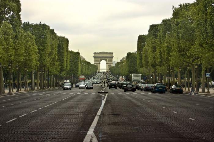 Avenue des Champs-ÉlyséesBy ZapTheDingbat on Flickr