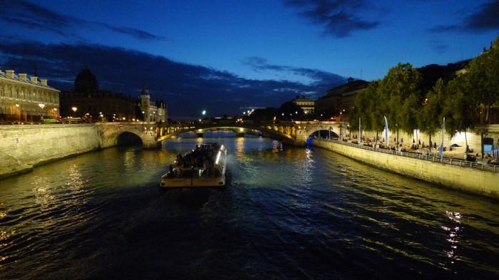 Попав в Париж, обязательно уделите достаточно внимания Сене и ее каналам (by night (PARIS,FR75)By jean-louis zimmermann @ Flickr)